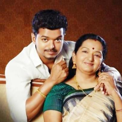 vj with his lovable mom.....